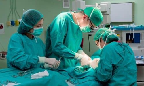 Тромбэктомия геморроидального узла - хирургическое вмешательство по удалению тромба, который образовался в выпавшем из прямой кишки специфическом образовании (шишке)