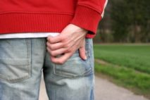 Причины и необходимое лечение при зуде и жжении в заднем проходе