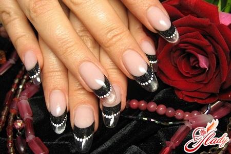 французский маникюр на нарощенных ногтях