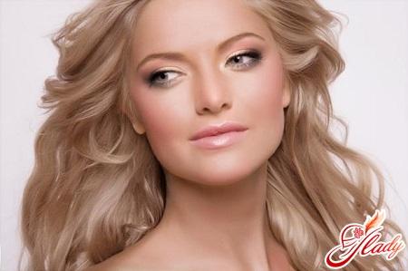 макияж для зеленых глаз блондинок