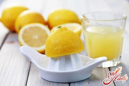 лимонный сок в борьбе с жирностью волос