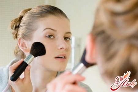 Тональная основа – залог идеального макияжа