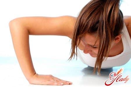 Подтяжка груди при помощи упражнений