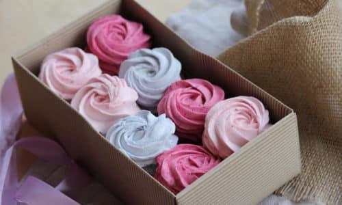 Большинство сладких изделий при панкреатите попадает под запрет, однако существуют исключения, к ним относится зефир
